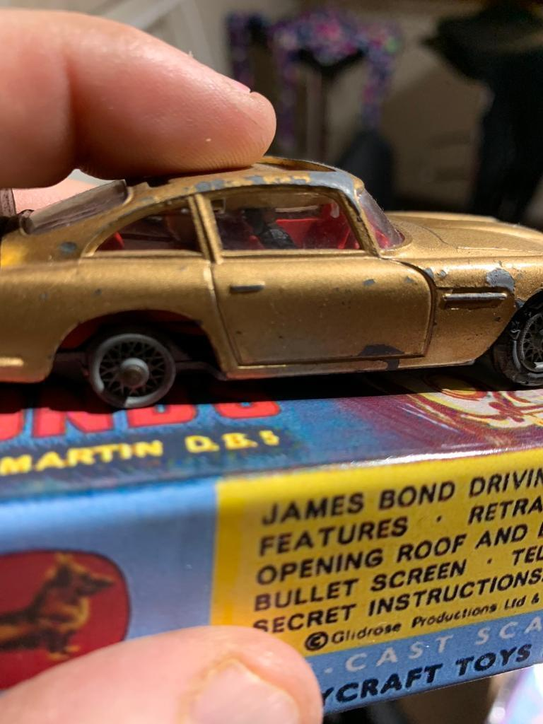 aston martin db5 corgi car james bond goldfinger with replica box