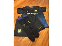 Football strip Man City away age 6-7 aguero on back