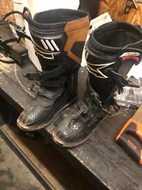 Axo size 11 MX boots