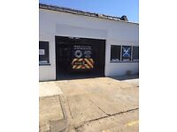TO LET in Harlow CM20 2DJ, Fully equipped Class 7/4 Mot Station and garage workshop. No Premium