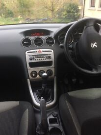 Peugeot 308 Active HDI (2012)