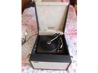 Vintage HACKER GONDOLIER GP42 (portable) record player