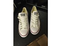 BRAND NEW WHITE UNISEX CONVERSE SIZE UK8