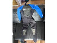 BodyGlove Women's Full-length 3/2 Wetsuit sz small