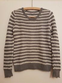 Women's GAP Knitwear Sweater Grey/White Size M 100% Cotton *Bearly Used