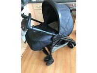 Mamas and Papas Pilko Pramette Pram/pushchair combination in Cityscape (Grey)