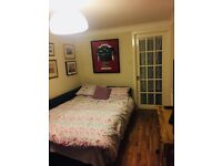 Double Room and ensuite Murrayfield