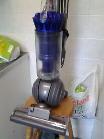 ( FREE DELIVERY ) , near mint condition, dyson ball , hoover , vacuum cleaner