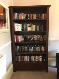 Solid dark wood bookcase (Hemellar)