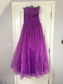 Purple prom dress ball gown size 12-14 need gone this weekend