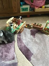 Sylvanian Families Farm Horse And Cart, Fruit And Veg Stall Set with figures, great condition.