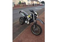Stunning YAMAHA DT125X (OPEN TO OFFERS)