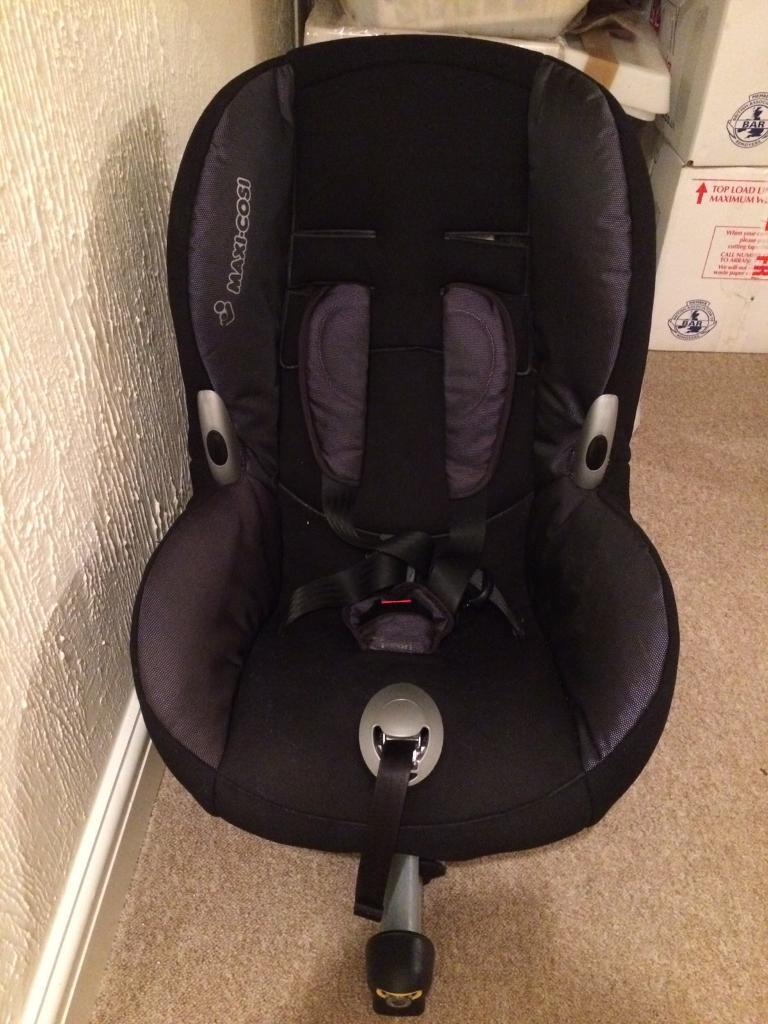 Maxi cost ISO fix priori car seat
