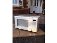 PANASONIC WHITE MICROWAVE 800W GOOD CONDITION VERY CHEAP!!