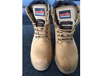 Scruffs work boots