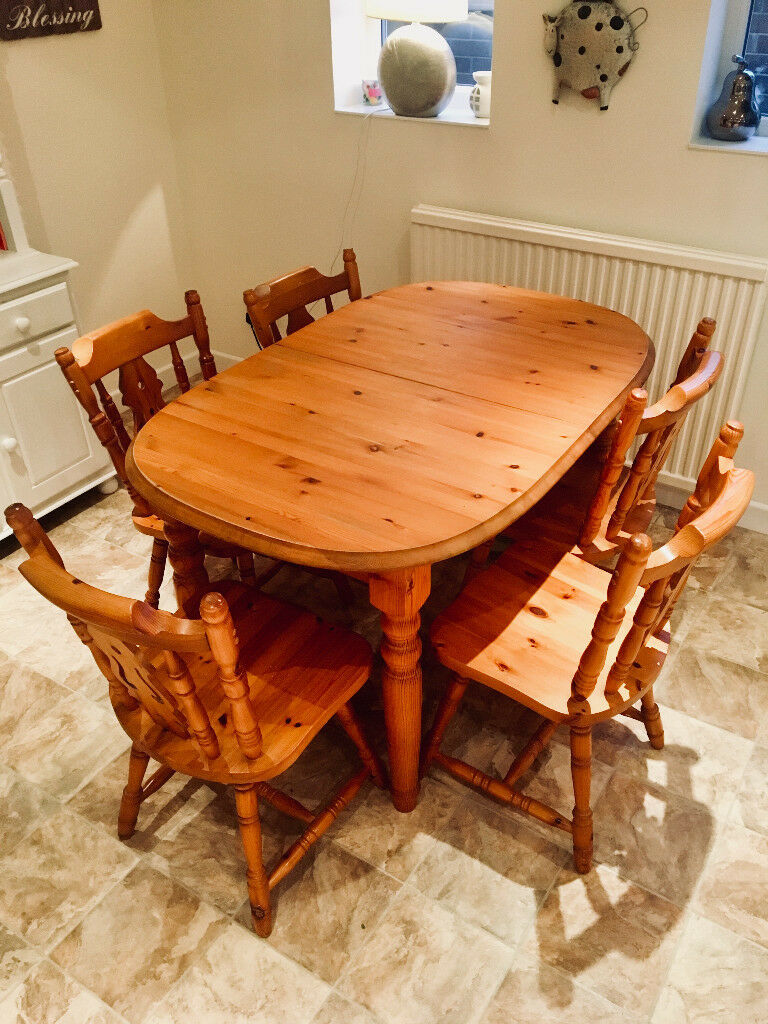 Solid Pine Dining Table (Includes 5 chairs) - Extendable (4-8 people).