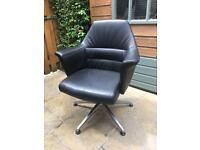 Black thick textured grain leatherette swivel chair