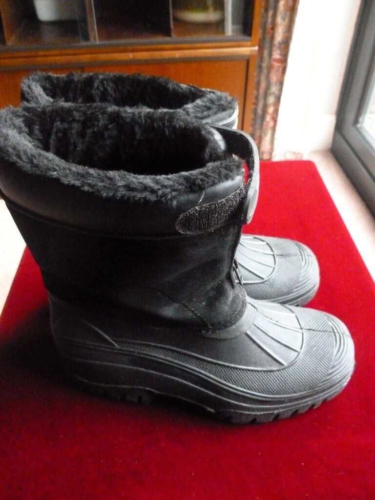 cb469a6f000 COTTON TRADERS Black Fur Lined Waterproof Snow Muck Our Boots Rubber Sole  UK Size 5 | in Watford, Hertfordshire | Gumtree