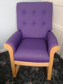 ROCKING CHAIR,NURSING CHAIR,AS NEW.EXCELLENT QUALITY
