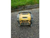 Dewalt radio and charger with bat