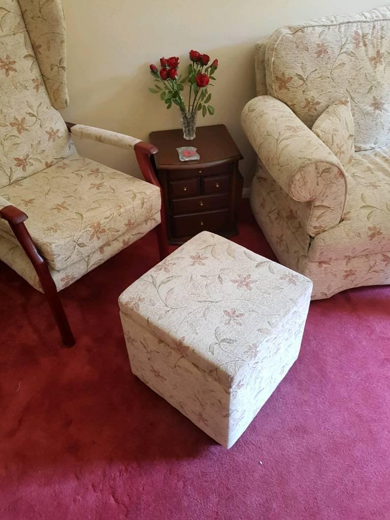 Slipper boxin Southampton, HampshireGumtree - Very good condition storage box/ foot rest