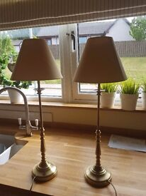 2 gold table lamps