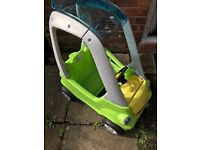 Little tykes car with foot insert included great condition collection little Hulton