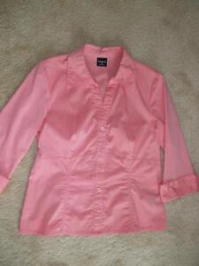 Coral Blouse Cambridge Kitchener Area image 1