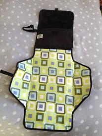 Skip Hop Pronto mini change bag