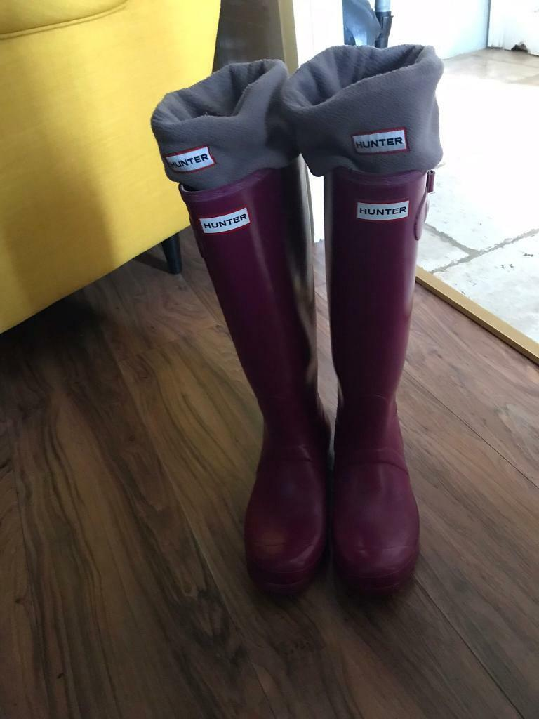 Hunter wellies with socks size 6