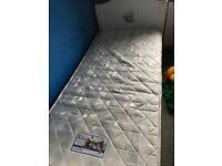 Me 2 u bear single bed and mattress