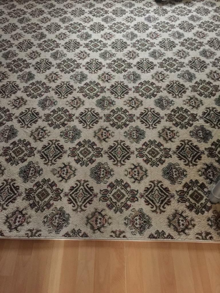 Lounge/bedroom carpet ***REDUCED TO £25. Decent offers accepted**