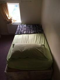 NICE & CLEAN SINGLE ROOM £75/PW