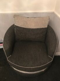 Large swivel chair, great condition, 2 Years Old, Paid £400