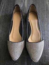 Pretty silver/black shoes