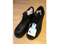 Safety boot for men size 8 UK
