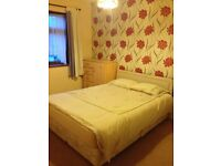 LARGE DOUBLE ROOM TO RENT IN GOODMAYES. 5 MINS WALK TO GOODMAYES STATION. ALL BILLS INCLUDED