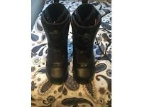 Size 9 snowboarding boots - MAKE (thirty two)