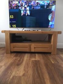 Beautiful solid heavy wood tv unit... great condition, solids heavy wood!!
