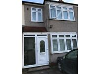 Beautiful 3/4 Bedroom House-Near Chadwell Heath station;Part Furnished;Parking;Garden;Near transport