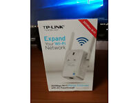 TP-LINK 300Mbps Wi-Fi Range Extender With AS Passthrough.