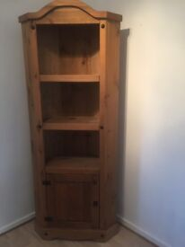 Mexican pine corner unit is in great condition, £70