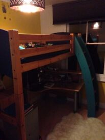 High quality Flexa bunk bed in clear lacquered pine and good condition