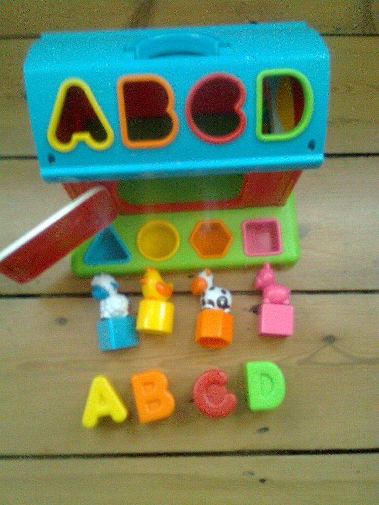 Infantio colourful shape sorter barn with farm animals and letters, complete, excellent condition