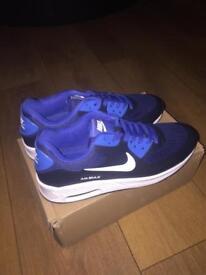 Nike airs max