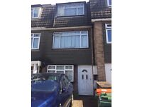 STUNNING THREE BEDROOM HOUSE WITH MASSIVE THROUGH LOUNGE AVAILABLE TO RENT NOW!! ONLY £1795
