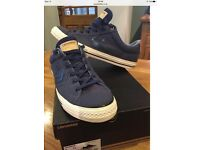 Converse star player ox in navy blue, size 9.