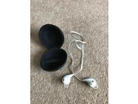 Wireless / Bluetooth earphones