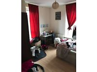 Modern 3 Bed flat with separate lounge near station accepting DSS