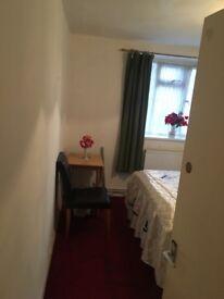 One double bedroom in Putney £400!!